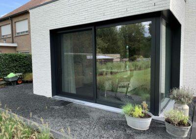 Plaatsing schuifvliegendeur nieuwbouwwoning te Wilrijk-Antwerpen